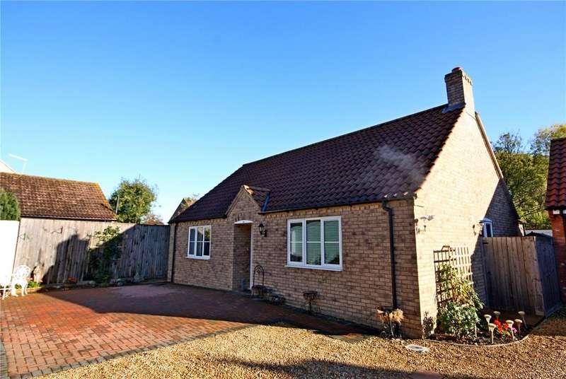 3 Bedrooms Detached Bungalow for sale in Edenham Road, Hanthorpe, Bourne, PE10