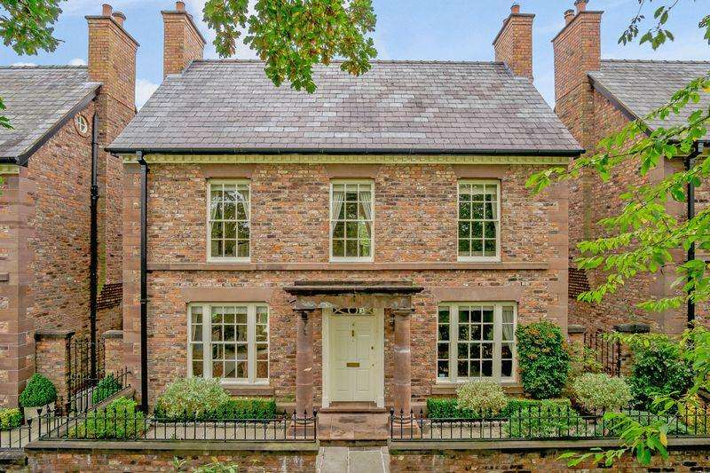 3 Bedrooms Detached House for sale in Central Tarporley