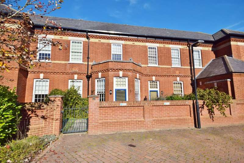 4 Bedrooms Terraced House for sale in Limes Park, Basingstoke, RG24