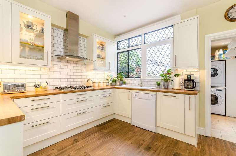 5 Bedrooms House for sale in Woodside Avenue, South Norwood, SE25