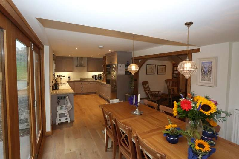 4 Bedrooms Detached House for sale in Hereford, Hereford, Herefordshire, HR1