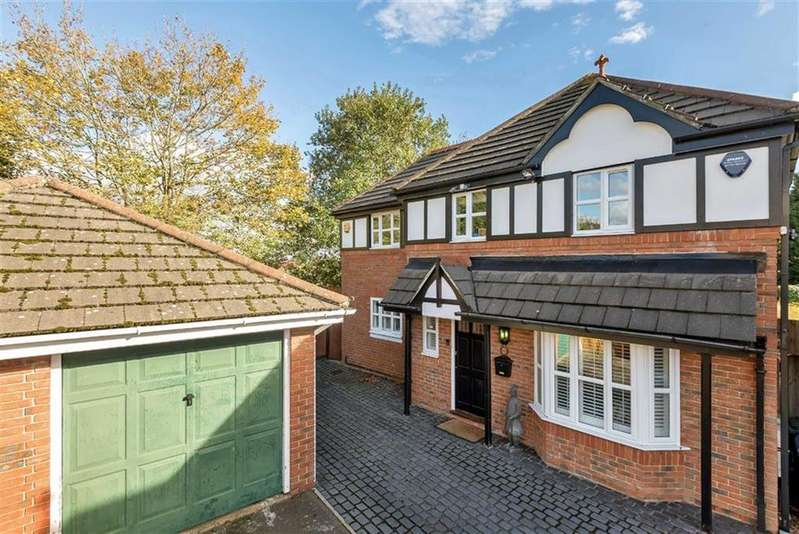 5 Bedrooms Detached House for sale in Partridge Close, Arkley, Hertfordshire