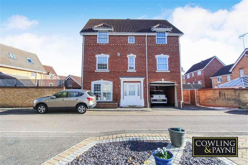 4 Bedrooms Detached House for sale in Nesbit Close, Wickford, Essex