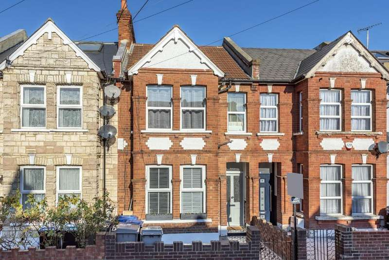 2 Bedrooms Flat for sale in Balmoral Road, Willesden Green, NW2