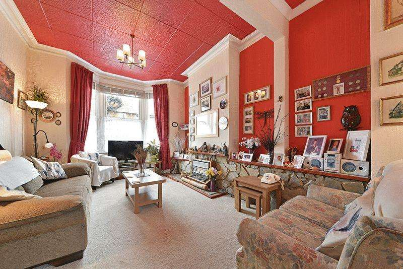 3 Bedrooms Terraced House for sale in Westcote Road, London