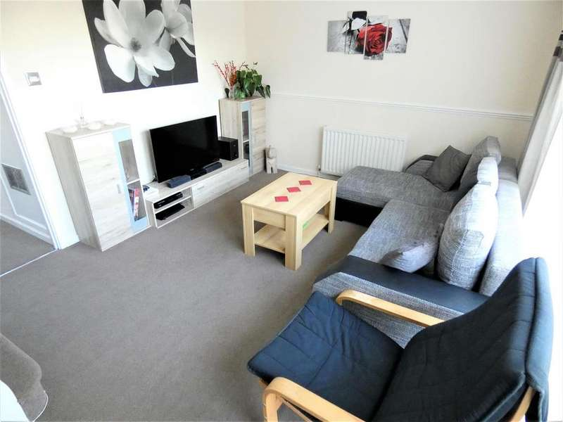 3 Bedrooms Town House for sale in St. Michaels Avenue, Houghton Regis,