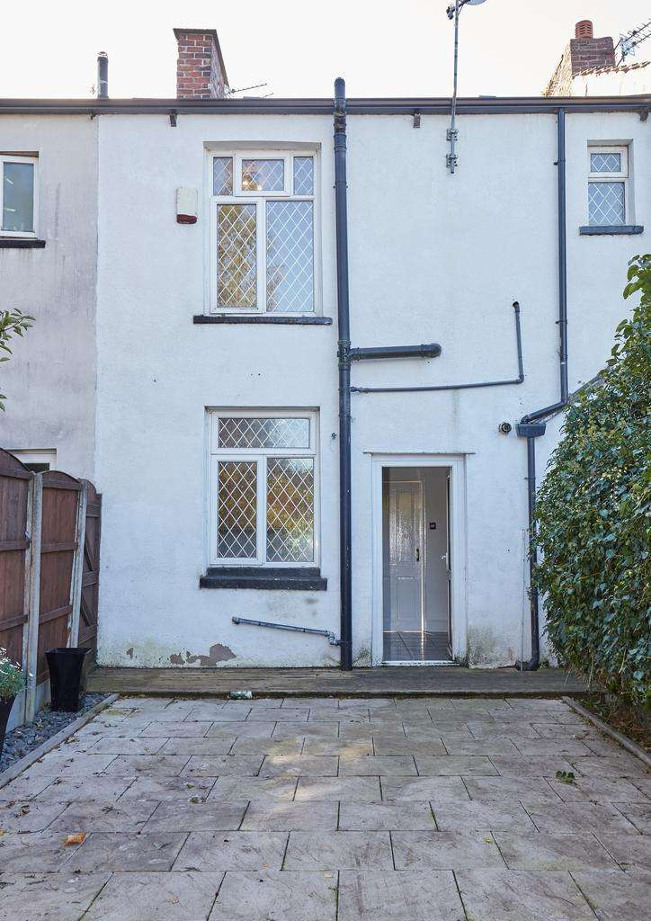 2 Bedrooms Terraced House for sale in Kings Road, Ashton-Under-Lyne OL6