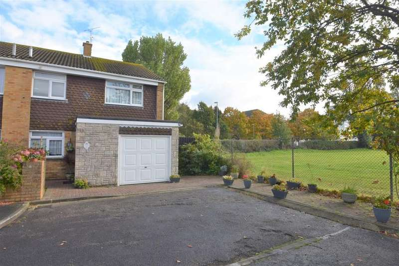 3 Bedrooms Semi Detached House for sale in Dunlin Close, Southsea