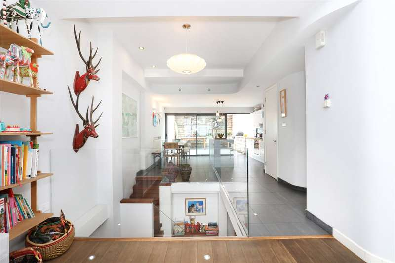4 Bedrooms Terraced House for sale in Caledonian Road, London, N1