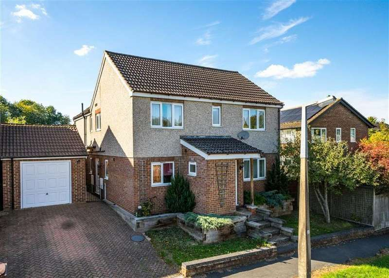 4 Bedrooms Detached House for sale in Ardens Way, St Albans, Hertfordshire