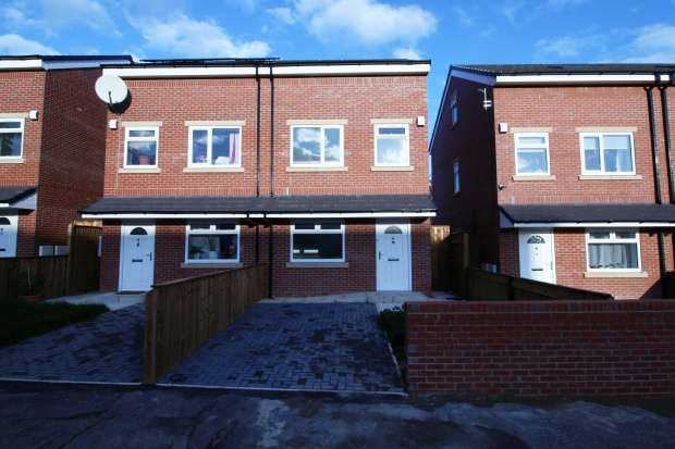 4 Bedrooms Semi Detached House for sale in Thompson Street, Manchester, Greater Manchester, M40 2DL