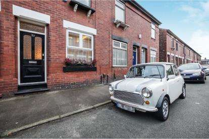 2 Bedrooms Terraced House for sale in Beaconsfield Road, Altrincham, Greater Manchester, .