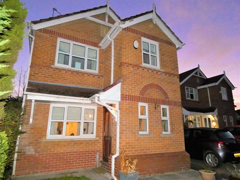 3 Bedrooms Detached House for sale in Ferguson Way, Oldham, Greater Manchester, OL4