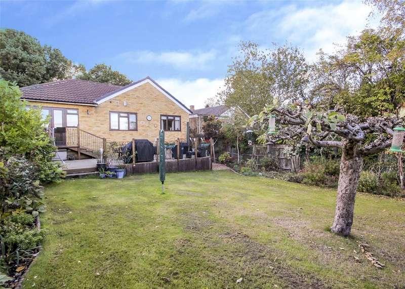 4 Bedrooms Detached Bungalow for sale in Cressex Close, Binfield, Berkshire, RG42
