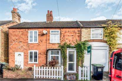 2 Bedrooms Terraced House for sale in Clifton Road, Shefford, Bedfordshire, .