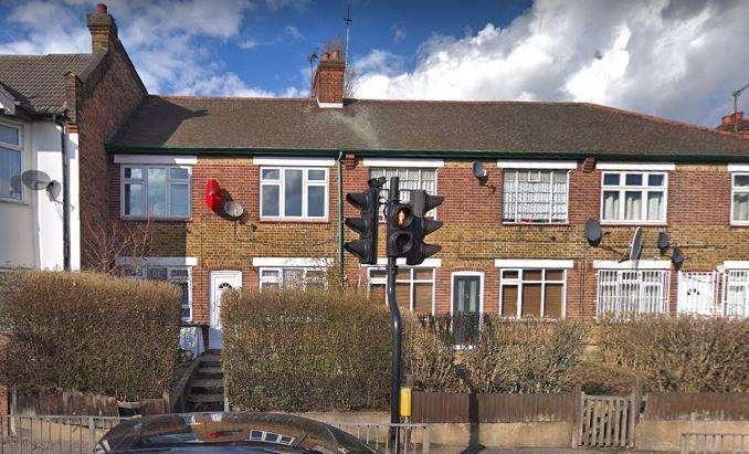 2 Bedrooms Flat for sale in Billet Road, walthamstow, E17