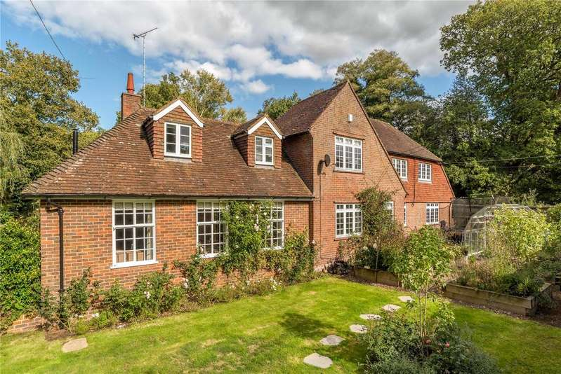 5 Bedrooms Detached House for sale in Lombard Street, Shackleford, Godalming, Surrey, GU8