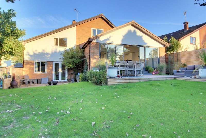4 Bedrooms Detached House for sale in Ilminster Close, Nailsea