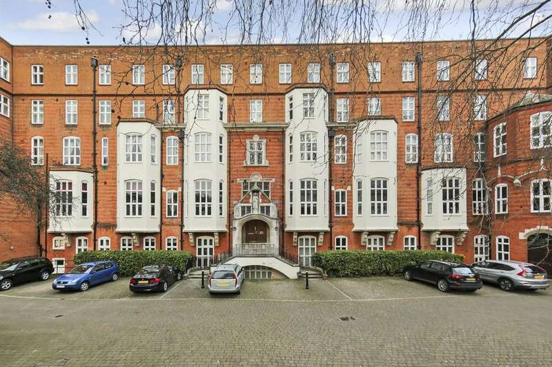 2 Bedrooms Flat for sale in Cormont Road, London SE5
