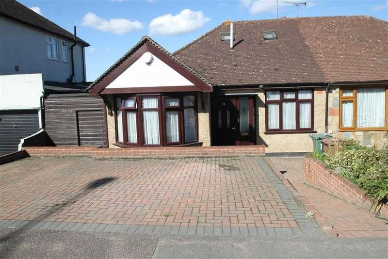 4 Bedrooms Chalet House for sale in Waltham Way, Chingford