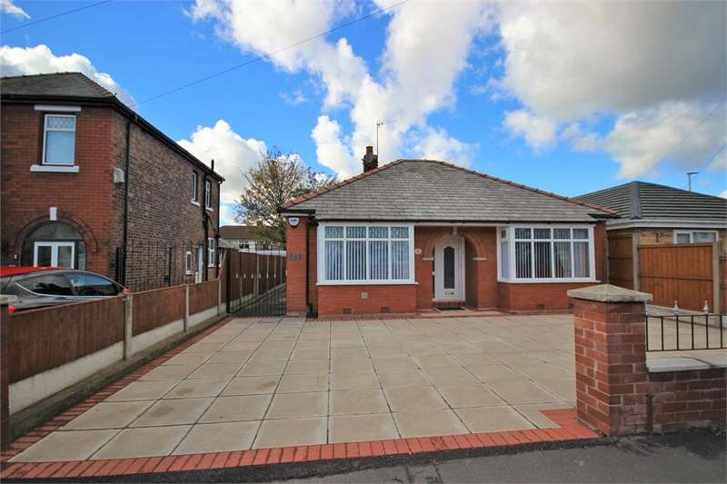 2 Bedrooms Detached Bungalow for sale in Lower House Lane, WIDNES, Cheshire