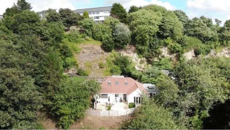 5 Bedrooms Property for sale in Quarry Lane, Truro