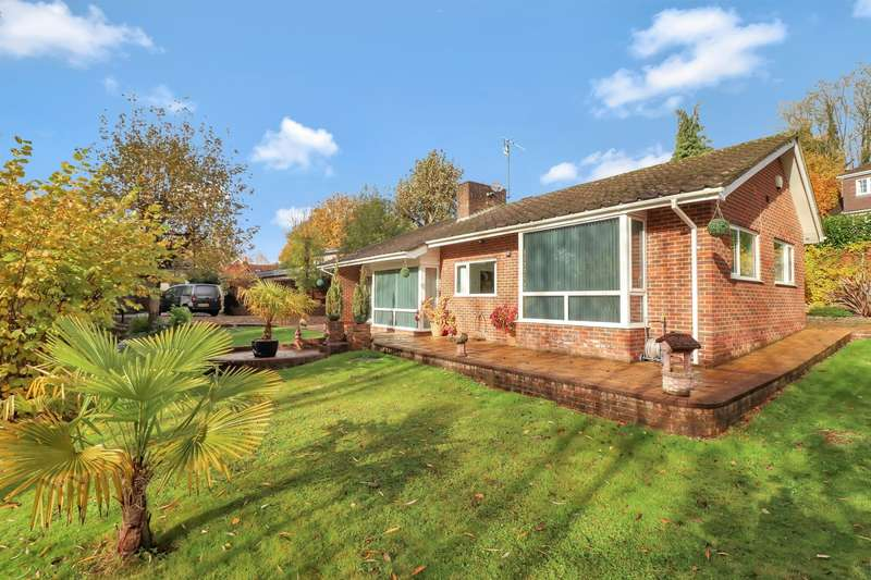 2 Bedrooms Detached Bungalow for sale in Clapton Mill, Wooburn Moor, HP10