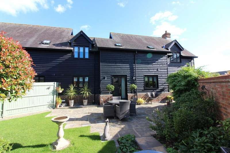 4 Bedrooms Barn Conversion Character Property for sale in Westbury Farm Close, Offley, Hitchin, SG5