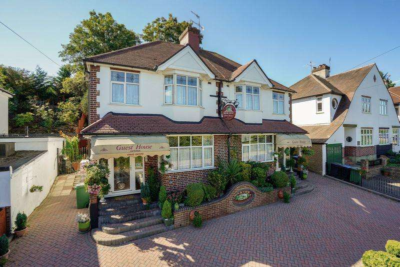 7 Bedrooms Detached House for sale in Shendish Edge, Hemel Hempstead