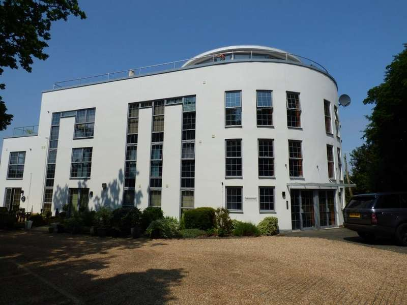 3 Bedrooms Apartment Flat for sale in East Cowes, Isle of Wight