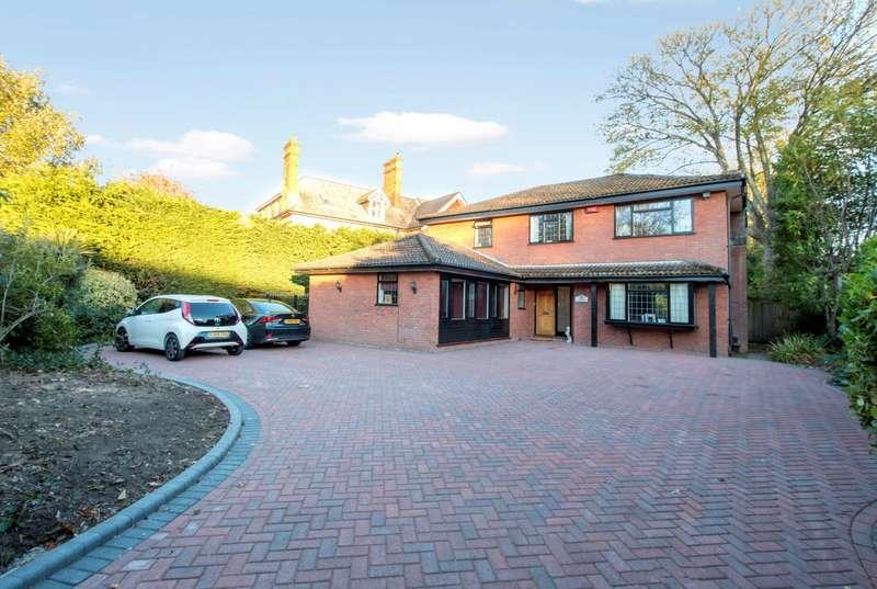 5 Bedrooms Detached House for sale in Dean Park