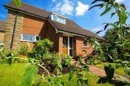 5 Bedrooms Detached House for sale in Sandy Lane, Cannock, Staffordshire