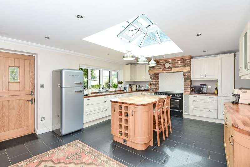 6 Bedrooms Detached House for sale in Teigngrace, Newton Abbot TQ12