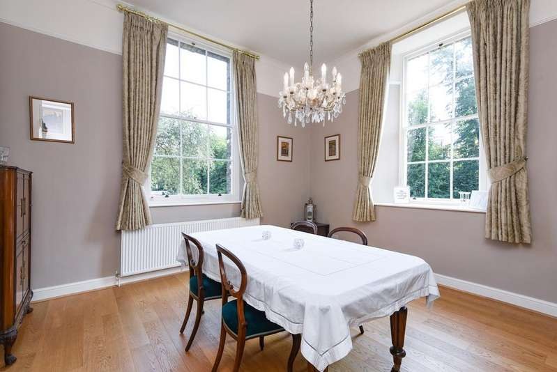 4 Bedrooms Link Detached House for sale in Sutherland House Gilbert Close SE18