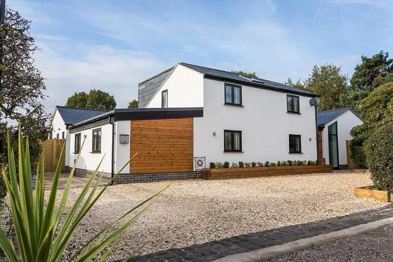 4 Bedrooms Detached House for sale in Sandy Lane, Wilmslow