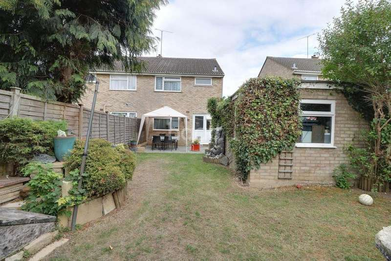 3 Bedrooms Semi Detached House for sale in Denton Close