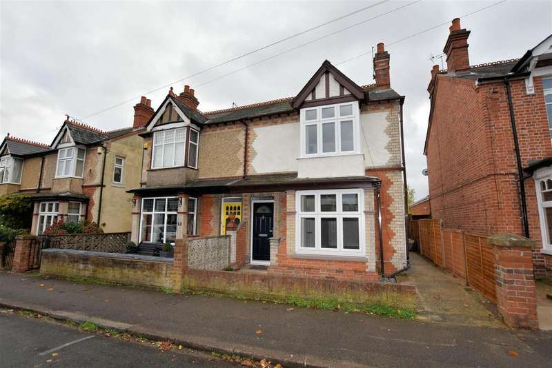 3 Bedrooms Semi Detached House for sale in Blundells Road, Tilehurst, Reading