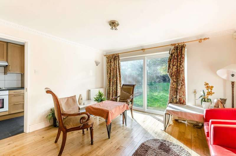 4 Bedrooms House for sale in St Dunstans Avenue, Acton, W3