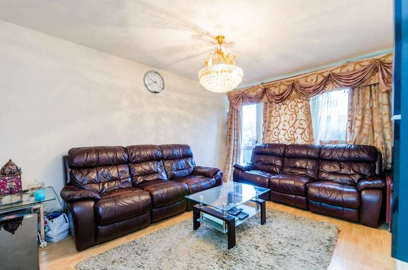 2 Bedrooms Flat for sale in Gwynne House, Tulse Hill, SW2