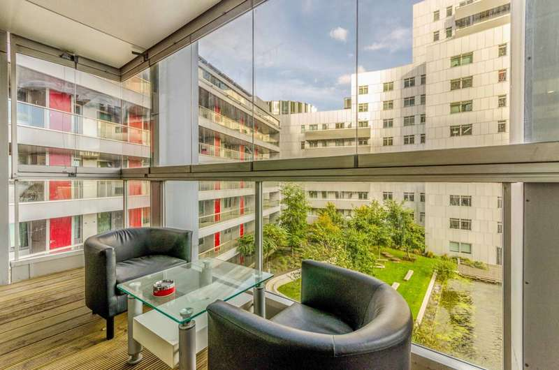 2 Bedrooms Flat for sale in Vermilion Building, Canning Town, E16