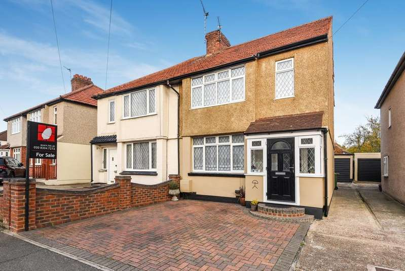 4 Bedrooms Semi Detached House for sale in Newlyn Road Welling DA16