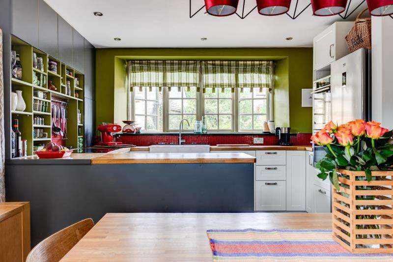 3 Bedrooms Detached House for sale in Bourne Cottage, Eastleach