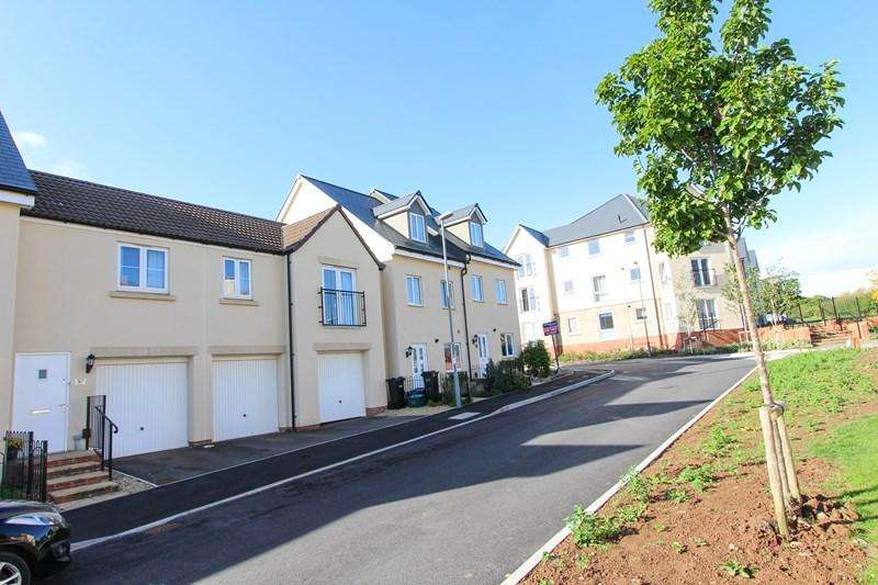 2 Bedrooms Flat for sale in The Mead, Keynsham, Bristol