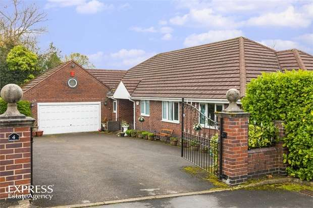 4 Bedrooms Detached Bungalow for sale in Yew Tree Close, Light Oaks, Stoke-on-Trent, Staffordshire