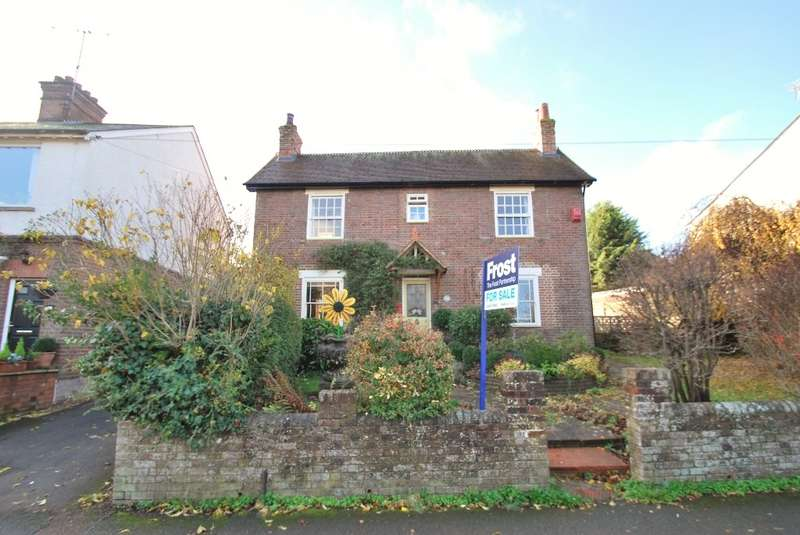3 Bedrooms Cottage House for sale in Bois Moor Road, Chesham, HP5