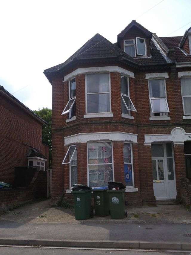 9 Bedrooms Semi Detached House for rent in Westridge Road, Portswood, Southampton