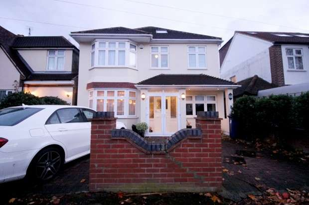 6 Bedrooms Detached House for sale in Shaftesbury Avenue , Southall, UB2