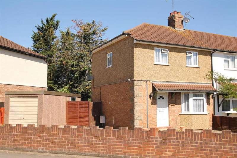 2 Bedrooms Semi Detached House for sale in Dedworth Road, Windsor
