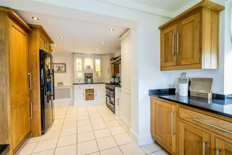 4 Bedrooms Detached House for sale in Willow Grove, Earswick, YORK