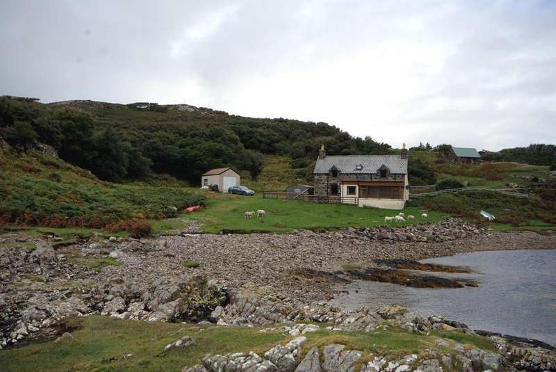 3 Bedrooms Cottage House for sale in Port Na Ba, Lochinver, Lairg IV27 4LR